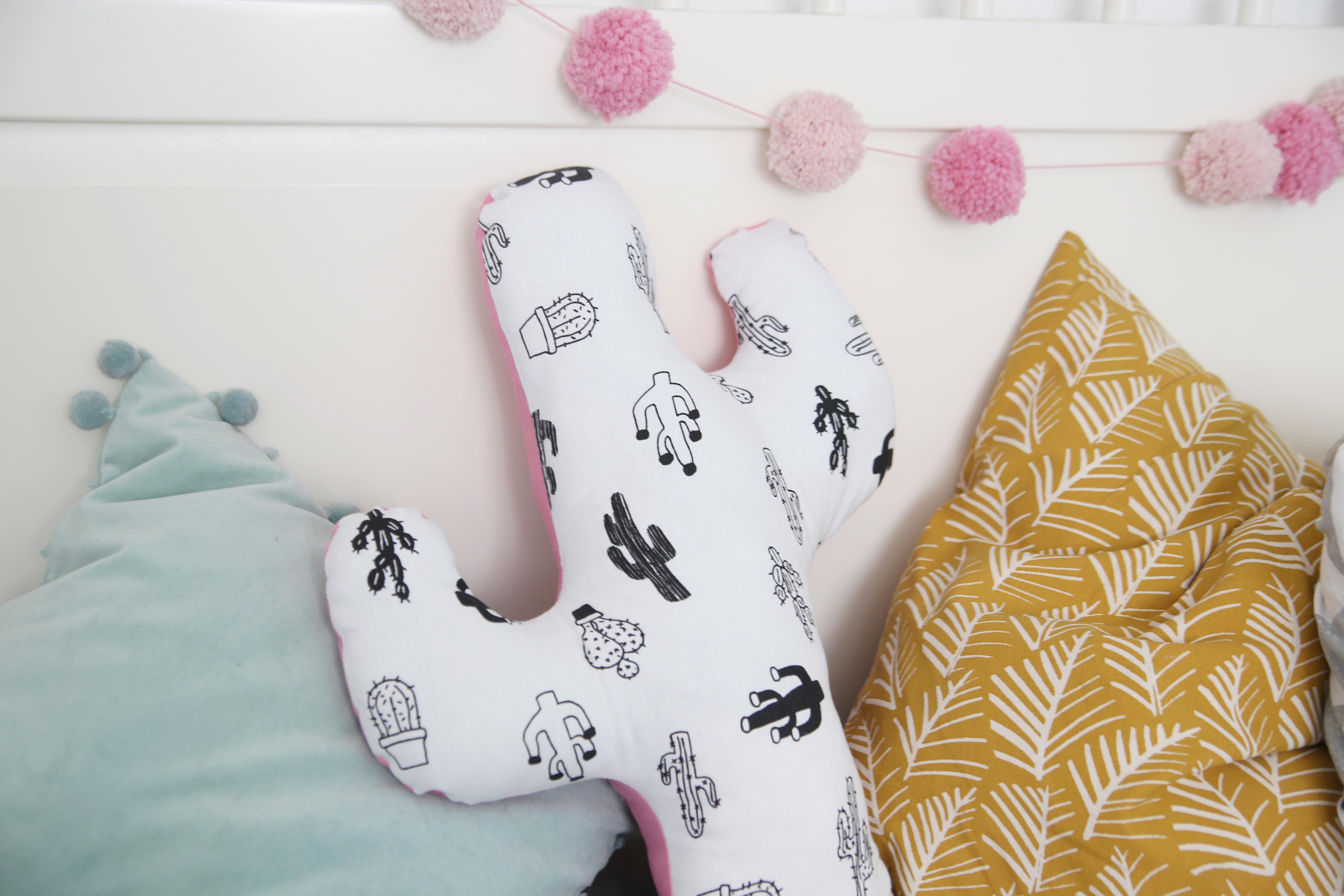 diy kaktus kissen n hen blog alles fuer selbermacher. Black Bedroom Furniture Sets. Home Design Ideas